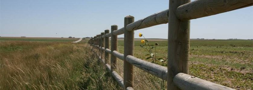 5 Things to Know About Post and Dowel Fences
