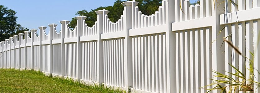 Why Wood is Superior to Vinyl for Fence Supplies
