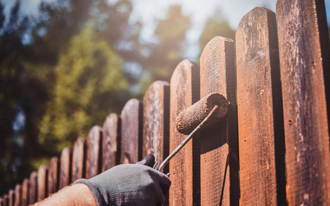 Fence Buying Tips for Homeowners