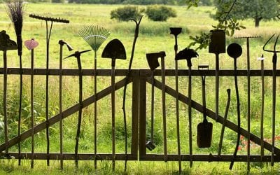 7 Unique Recyclable Materials to Use in Fencing