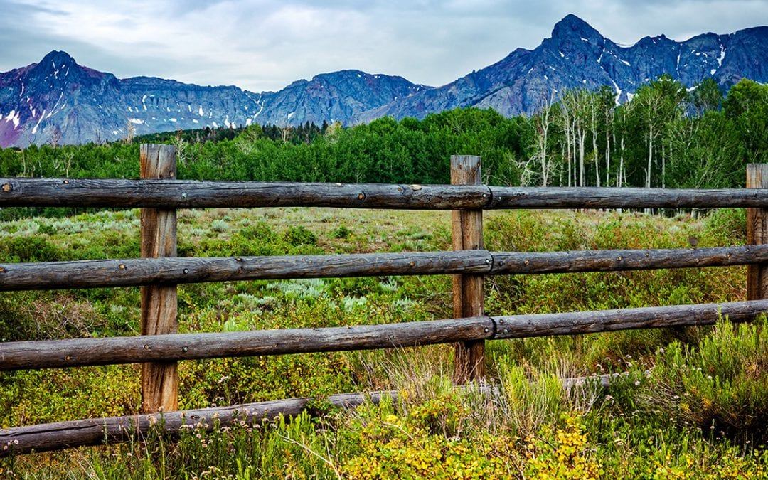 rustic style of fence